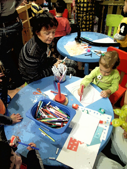 Spazio Giallo spazio integrato socio-educativo di accoglienza dei bambini che si preparano al colloquio col genitore detenuto, seguiti da operatori professionali