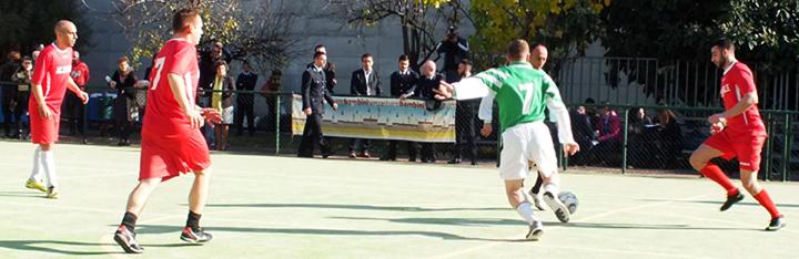 partita-di-calcio-fra-papa-e-non-papa-detenuti-carcere-di-san-vittore-milano